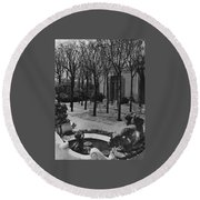 The Garden Of A Home In Meridian Hill Round Beach Towel