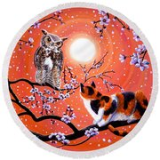 The Owl And The Pussycat In Peach Blossoms Round Beach Towel