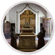 The Serra Cenotaph In Carmel Mission Round Beach Towel