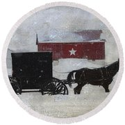 The Star Barn In Winter Round Beach Towel