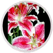 The Star Lily  Round Beach Towel