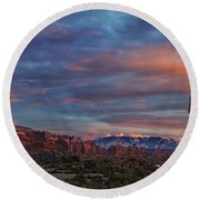 The Sun Sets At Balanced Rock Round Beach Towel