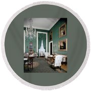 The White House Green Room Round Beach Towel