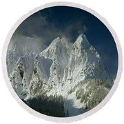 1m4503-three Peaks Of Mt. Index Round Beach Towel