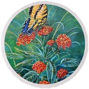 Tiger And Lantana Round Beach Towel