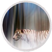 Tiger In The Mist Round Beach Towel