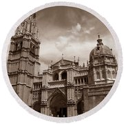 Toledo Cathedral Round Beach Towel