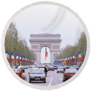 Traffic On A Road, Arc De Triomphe Round Beach Towel