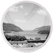 Trophy Point North Fro West Point In Black And White Round Beach Towel