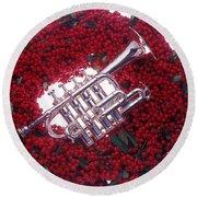 Trumpet On Red Berry Wreath Round Beach Towel