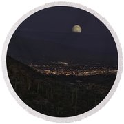 Tucson At Dusk Round Beach Towel