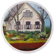 Tulip Cottage Round Beach Towel