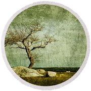 Twisted Elegance Round Beach Towel
