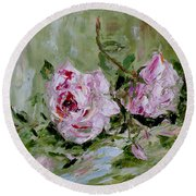 Two Roses Round Beach Towel