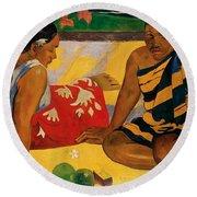 Two Women Of Tahiti Round Beach Towel