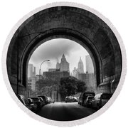 New York City - Manhattan Bridge - Under Round Beach Towel