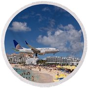 United Low Approach St Maarten Round Beach Towel by David Gleeson