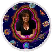 United Planets Of Mona Robin Round Beach Towel