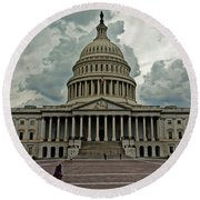 Round Beach Towel featuring the photograph U.s. Capitol Building by Suzanne Stout