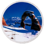 Usa, Utah, Delicate Arch, Winter Round Beach Towel