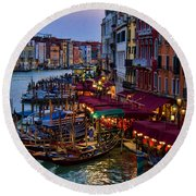 Venetian Grand Canal At Dusk Round Beach Towel