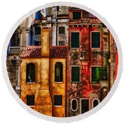 Round Beach Towel featuring the photograph Venice Homes by Jerry Fornarotto