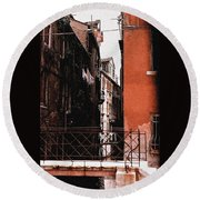 Round Beach Towel featuring the photograph A Chapter In Venice by Ira Shander