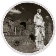 Vestal Virgin Courtyard Statue Round Beach Towel