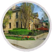 D47l-15 Victorian Village Photo Round Beach Towel