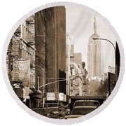 Vintage Chinatown And Empire State Round Beach Towel