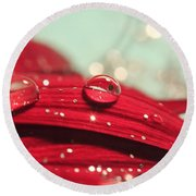 Water Drops And Glitter Round Beach Towel