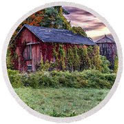 Weathered Connecticut Barn Round Beach Towel