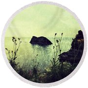 Where There Be Wilde Things  Round Beach Towel