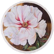 White Beauty Round Beach Towel