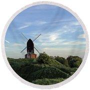 Windmill On Brill Common Round Beach Towel