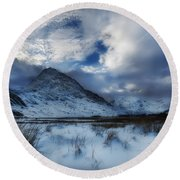 Winter At Tryfan Round Beach Towel