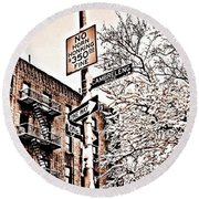 Winter In The Bronx Round Beach Towel