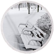 Winter Park With Benches Round Beach Towel