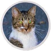 With Eyes On Round Beach Towel