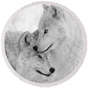 Wolf Love Black And White Round Beach Towel