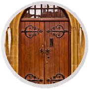 Wooden Door At Tower Hill Round Beach Towel