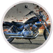 Round Beach Towel featuring the photograph Yamaha Virago 01 by Andy Lawless