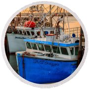 Round Beach Towel featuring the photograph Yarmouth Harbour by Garvin Hunter