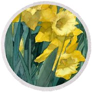 Watercolor Painting Of Blooming Yellow Daffodils Round Beach Towel