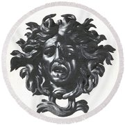 Medusa Head Round Beach Towel