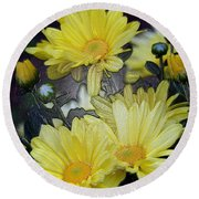 Pretty In Yellow Round Beach Towel