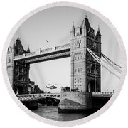 Helicopter At Tower Bridge Round Beach Towel by Dawn OConnor