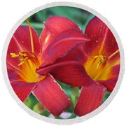 2 Red Lilies Hz Round Beach Towel