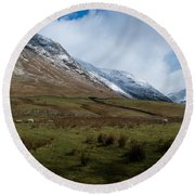 A View In The Mountains Round Beach Towel
