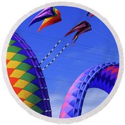 Go Fly A Kite 8 Round Beach Towel